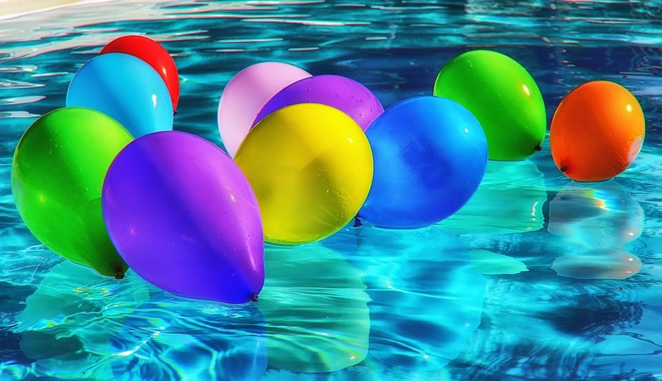 bobbing for water balloons is a fun cool summer game